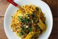 curry noodle pot